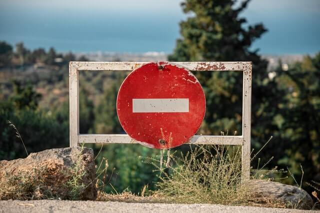 "<img src=""stop.jpg"" alt=""コロナ禍で医療・介護施設は面会禁止です"">"